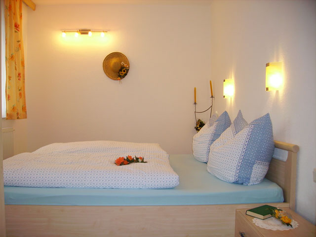 ferienwohnung zillertal 4 6 personen. Black Bedroom Furniture Sets. Home Design Ideas